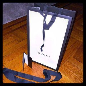 Gucci colectible shopping bag/ribbon/card